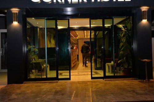 Van Corner Hotel